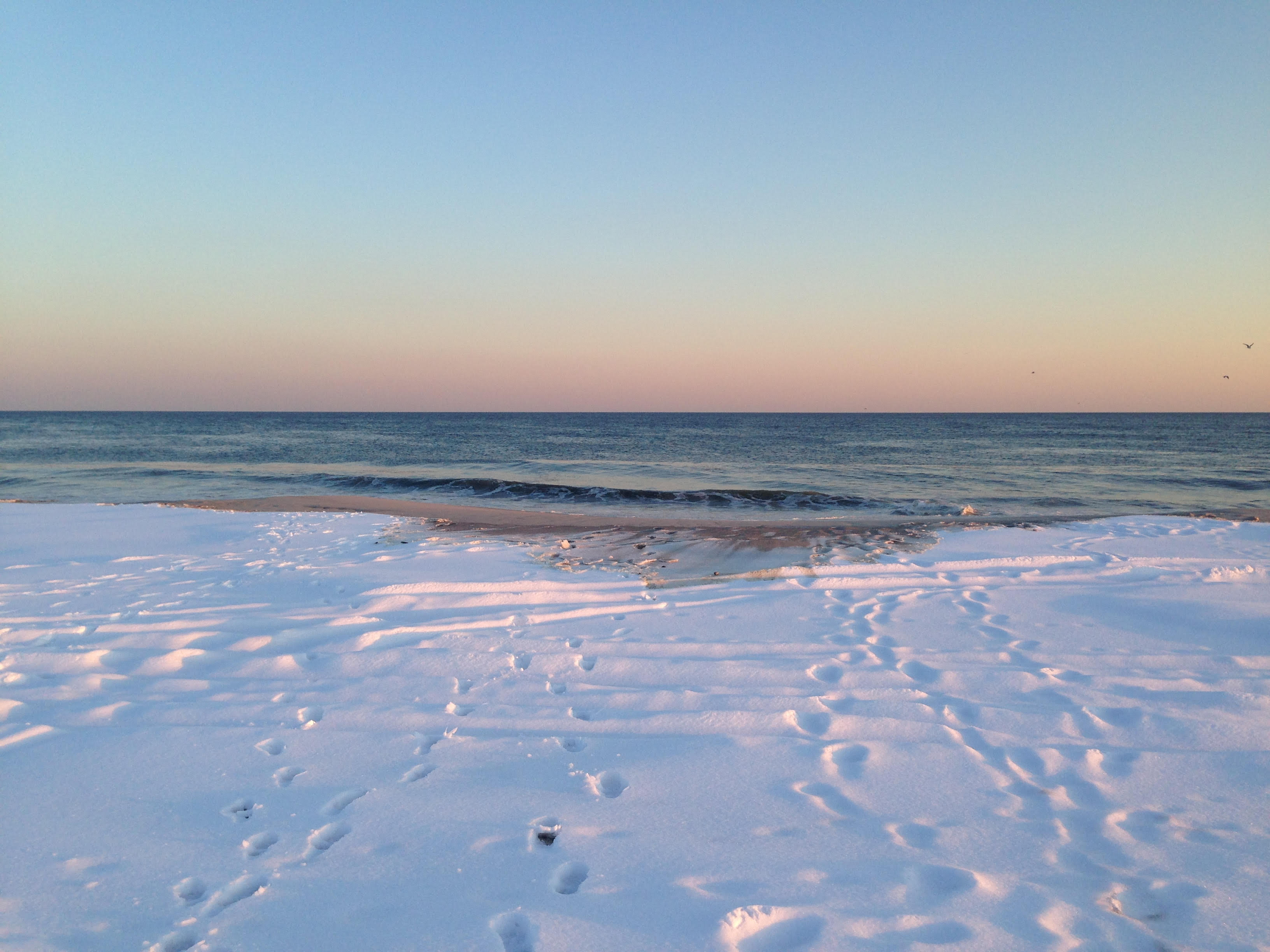 Snow covers the beach at Jones Beach State Park in Wantagh, NY. (Meaghan Lee Callaghan)